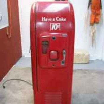 Vintage 1947 Coke Machine - Coca-Cola