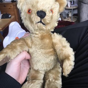 Struggling to identify Teddy - Dolls