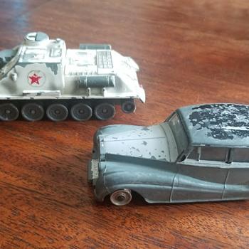 Rolls Royce Silver Wraith & Russian SU-100 Tank - Model Cars