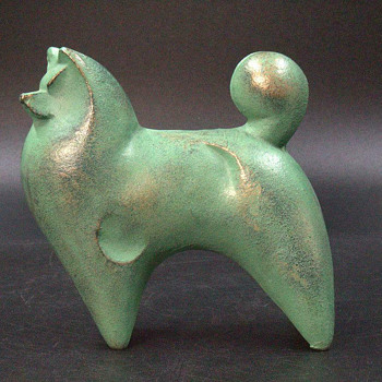 Bronze dog okimono by Sotaro Saegusa - Animals