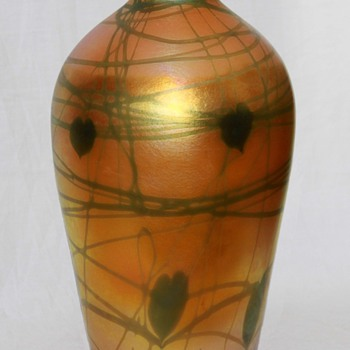 Quezal Golden Heart & Vine Vase, Large