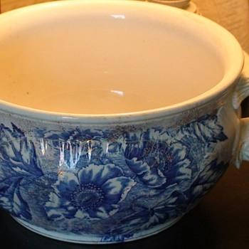 """Dunn & Bennett Chamber Pot Burslem, England """"Florence Pattern"""" - Pottery"""