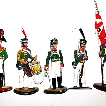 Lead toy soldiers