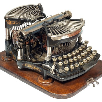 Williams 1 typewriter - 1891  (antiquetypewriters.com) - Office