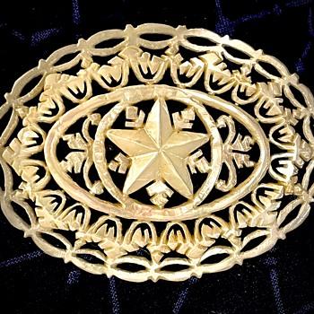 Four Vintage MOP Bethlehem Stars - Fine Jewelry