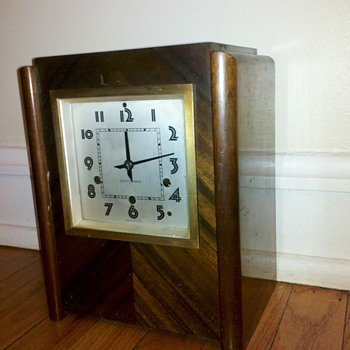 Seth Thomas Shelf or Mantle clock, trying to find date or model