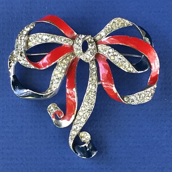 Joseph Wuyts' Patriotic Rhinestone Bow Brooch for Trifari - 1940 - Costume Jewelry