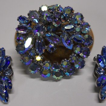 Sherman Brooch & Earring set, Blue Aurora Borealis, Circa 60s-70s - Costume Jewelry