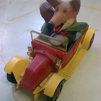 Basil Brush car.