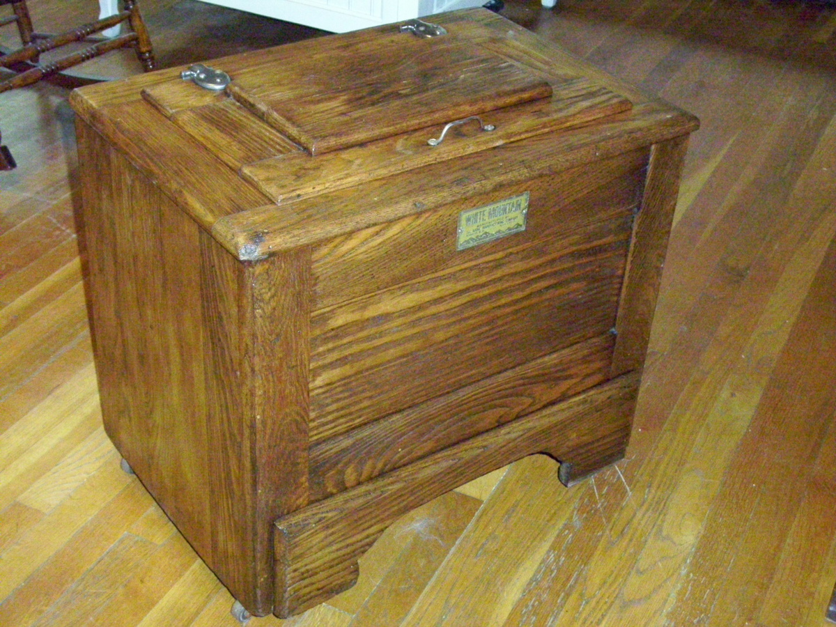 antique oak ice box Antique Small Oak Ice Chest   Lift Top | Collectors Weekly antique oak ice box
