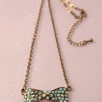 Rhinestone bow necklace - Costume Jewelry