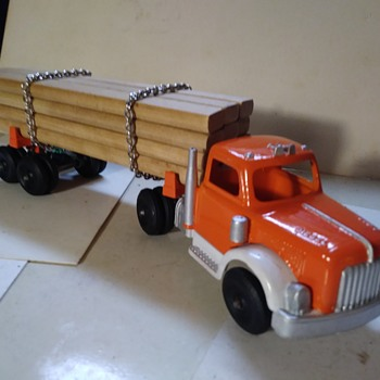 Hubley Lumber Truck/Trailer - Model Cars