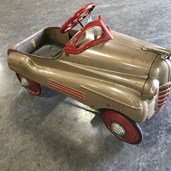 Murray pedal car  unrestored original paint  - Toys
