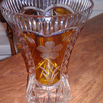 BEAUTIFUL BOHEMIAN ART GLASS VASE - Art Glass