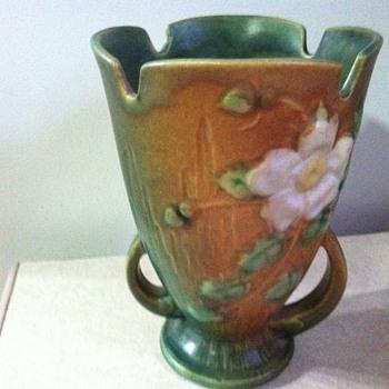 Roseville White Rose - Pottery