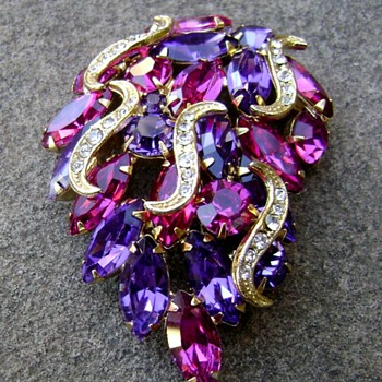 Vintage Juliana Brooch - Costume Jewelry