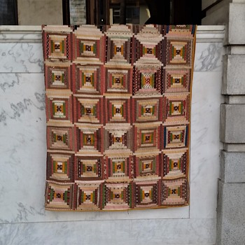 Courthouse steps quilt found in North Carolina - Folk Art