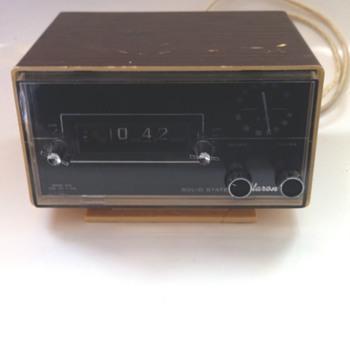 Shikoku Seiki clock radio.