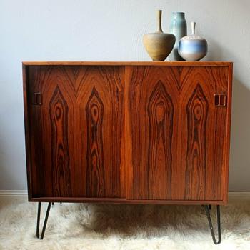 Danish rosewood on needlepins - Furniture