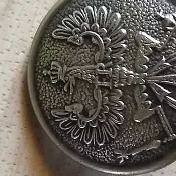 Brass military button - Military and Wartime