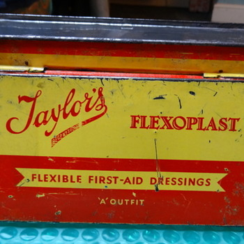 Taylor's 'Flexoplast' first-aid tin (circa mid to late 50s) - Advertising