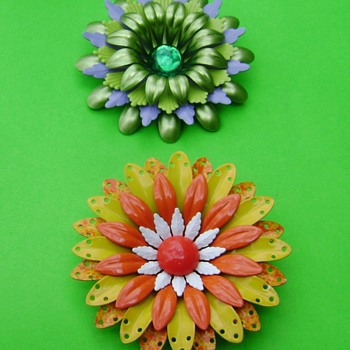 Flower Pins - Costume Jewelry