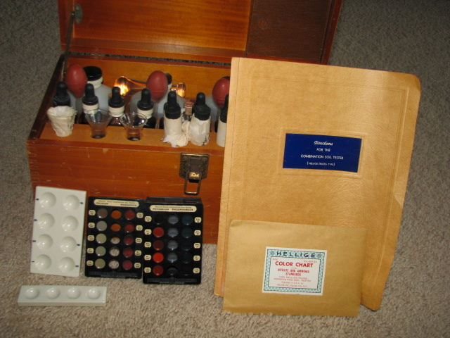 vintage soil test kit collectors weekly. Black Bedroom Furniture Sets. Home Design Ideas