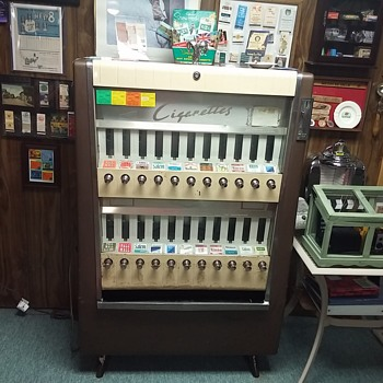 Cigarette machine - Coin Operated