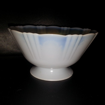 """""""OPALESCENT FOOTED BOWL"""" - Art Glass"""
