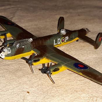 Bachmann Mini-Planes Avro Lancaster MK 1 - Toys