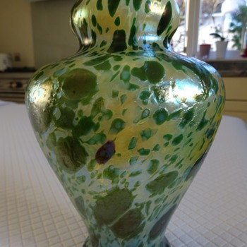 Fritz Heckert Green 'Marmopal' Glass Form No. TH 203 - Art Glass