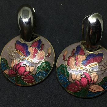 SG butterfly earrings - Costume Jewelry