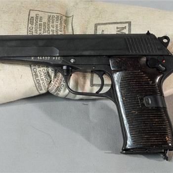 Czechoslovakian CZ 52 semiautomatic pistol - Military and Wartime
