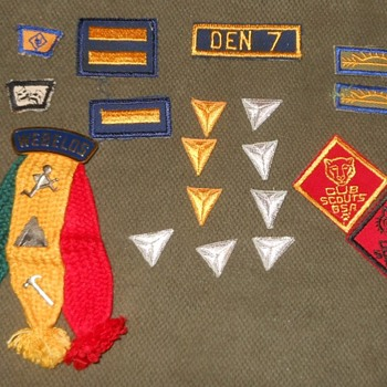 The Saturday Evening Scout Post Webelos Ribbon Slider/Woggle and More - Medals Pins and Badges
