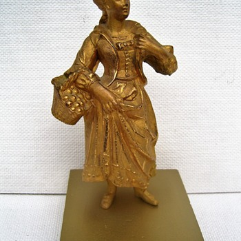 Gardenerlady. Ca. 1850. Which sculptor ? - Figurines