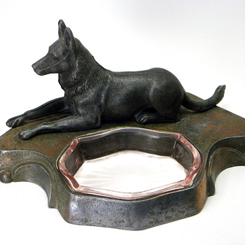 German Shepherd Figure Ashtray - Tobacciana