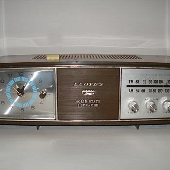 Lloyds Solid State 2 Speaker Clock Radio