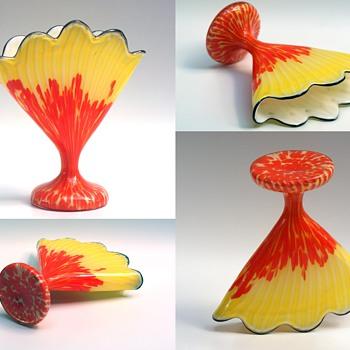 Welz Scallop Fan Vase Group - Art Glass