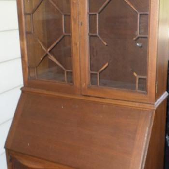 desk/cabinet?