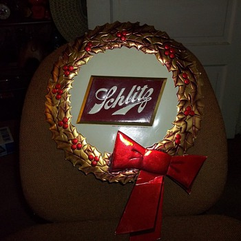 SCHLITZ ADVERTISER WREATHS
