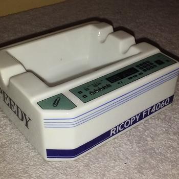 RICOPY FT4060 ceramic 'photocopy machine' ashtray - Tobacciana