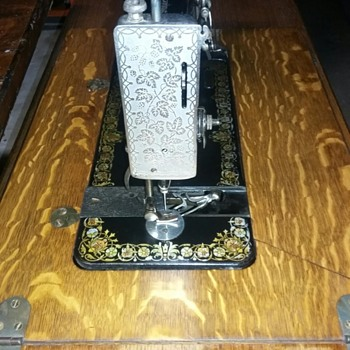 Singer 27 or my Valentine's Gift - Sewing