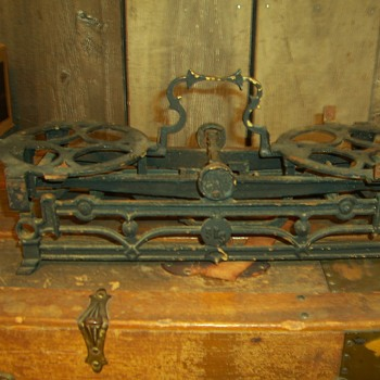 CAST IRON  5Kg  SCALE - Tools and Hardware