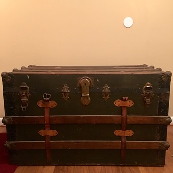 Looking for some guidance on my first trunk - Furniture