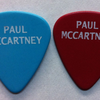 Paul McCartney's guitar picks-2013 - Music Memorabilia