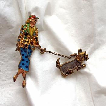 Art deco 2-piece enamel chatelaine brooch? + Vintage clip-on earrings