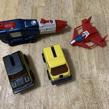 Japan toys transformers plane trucks 1982  - Toys