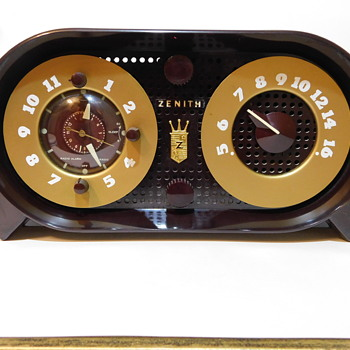 "1950 Zenith ""Owl Eyes"" Dial Speaker Clock Radio w/Manual and Advert - Radios"