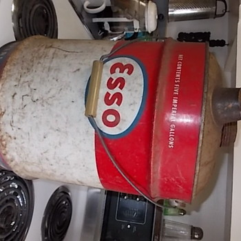 OLD ESSO GAS CAN 5 GALLONS - Petroliana