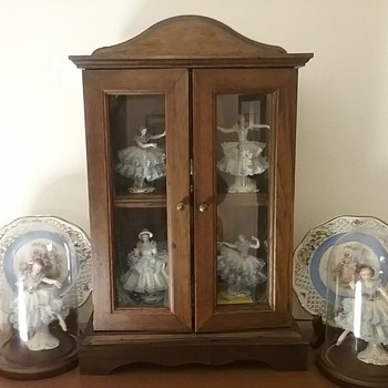 Wood tabletop display cabinet & figurines